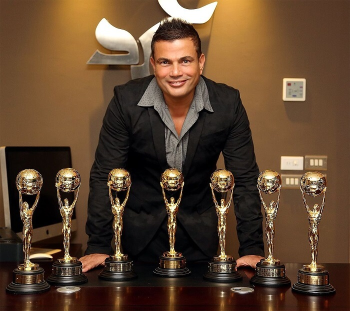 1012px-Amr_Diab_With_World_Music_Awards-1497901548.jpg