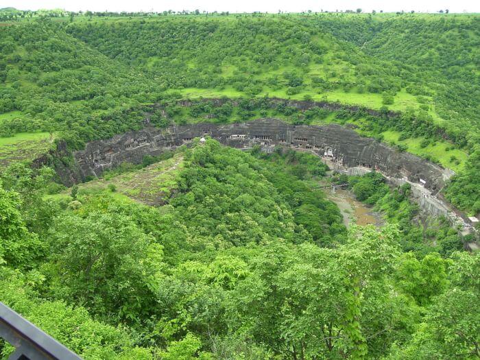 1200px-Ajanta_viewpoint-1512128766.jpg