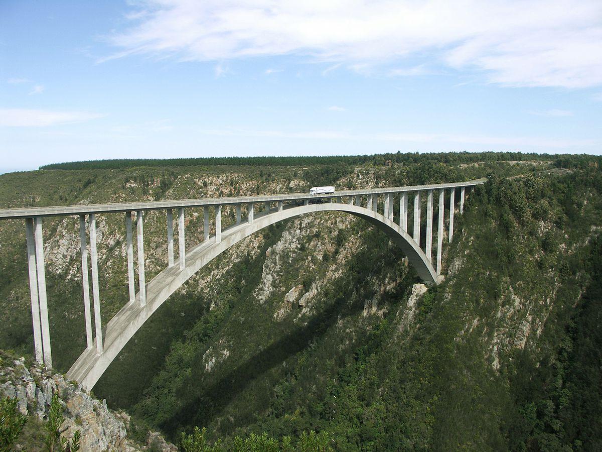 1200px-Bloukrans_Bridge-001-1495196304.jpg