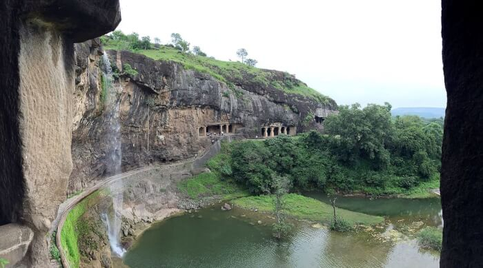 1200px-Ellora_caves,_view_from_Cave_29_(Hindu)-1512128686.jpg