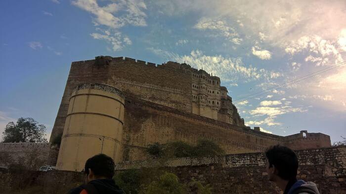 1200px-Mehrangarh_Fort_Jodhpur2016-1510236948.jpg