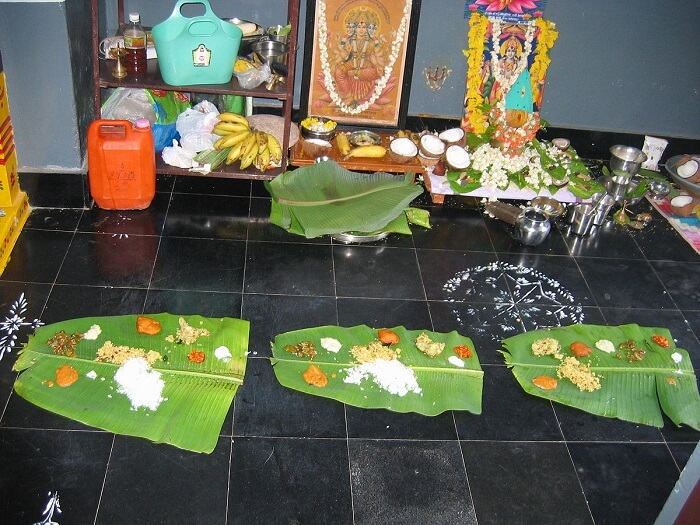 1200px-Prasadam_on_banana_leaves-1499250803.jpg