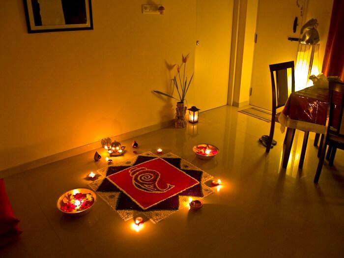 1200px-Rangoli_of_Lights-1499409990.jpg