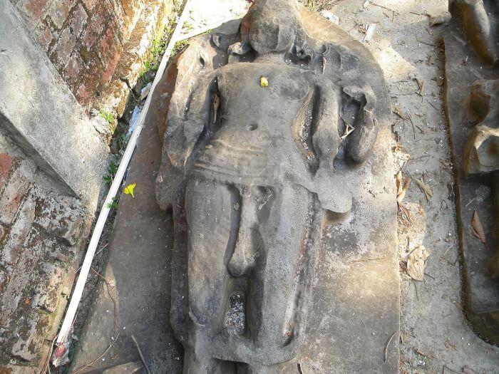 1200px-Stone_Statue_of_Vishnu_at_Unakoti-1497029612.jpeg