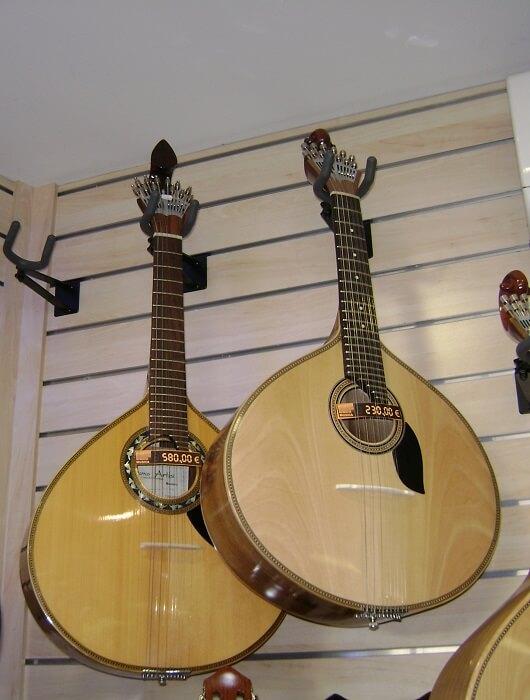 2_Portuguese_guitars-1500639430.jpg