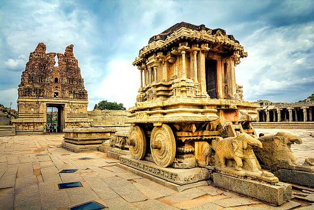 640px-Iconic_Stone_Chariot_@_Vittala_Temple,_Hampi,_Karnataka-1512146674.jpg