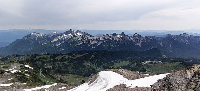 640px-Skyline_trail_looking_south-1517558950.jpg