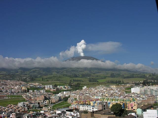 640px-Volcán_Galeras_-_Pasto_-_Colombia-1513499808.jpg