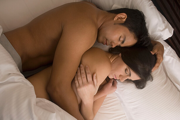 Couple-spooning-1512027887.jpg