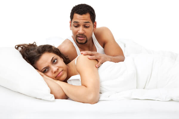 Couple_in_bed_angry_a3gbvs-1512556398.jpg