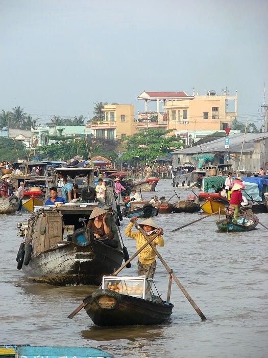 Floating_Market_-_Can_Tho_-_Vietnam-1503741579.jpg