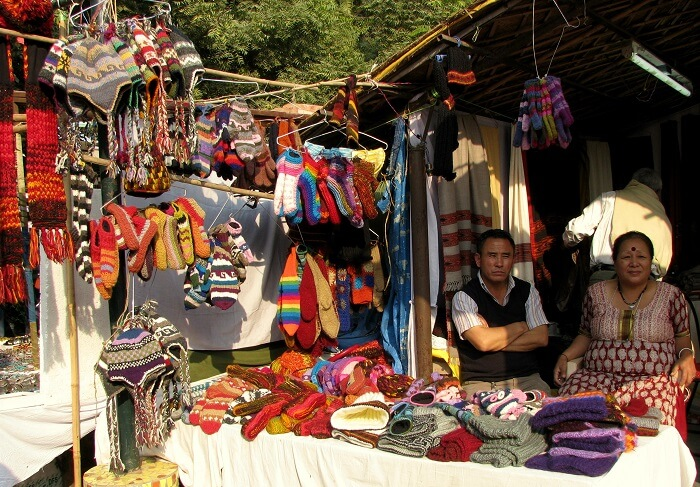 Hand_made_woollen_items_from_North-East_India,_at_Dilli_Haat-1503218855.jpg