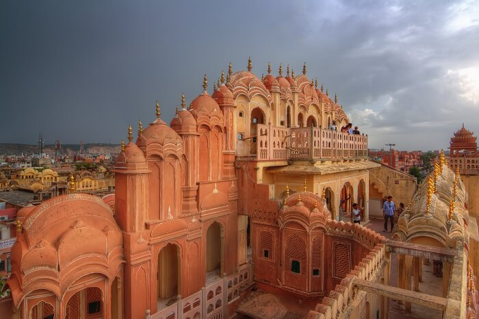Hawa_Mahal_on_a_stormy_afternoon-1511595336.jpg