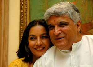 Javed-Akhtar-Nice-Pic-with-his-Wife-300x215-1516353611.jpg