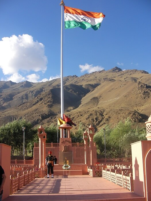 Kargil_War_Memorial,_Operation_Vijay-1501257320.jpg