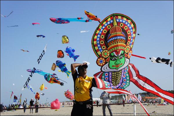 Kite-Festival-In-Karnataka-1515690007.jpg