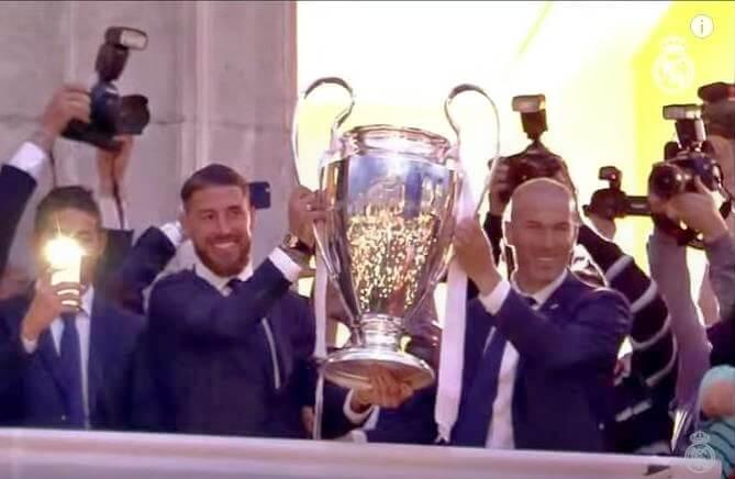 Ramos_y_Zidane_con_la_Undécima_Copa_de_Europa-1496570611.jpg