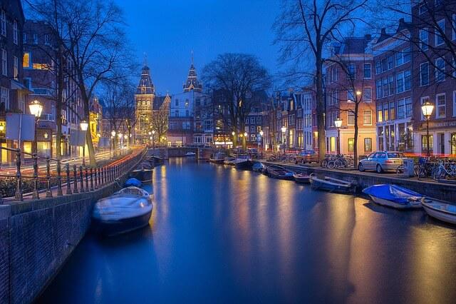 amsterdam-1150319_640-1515998364.jpg