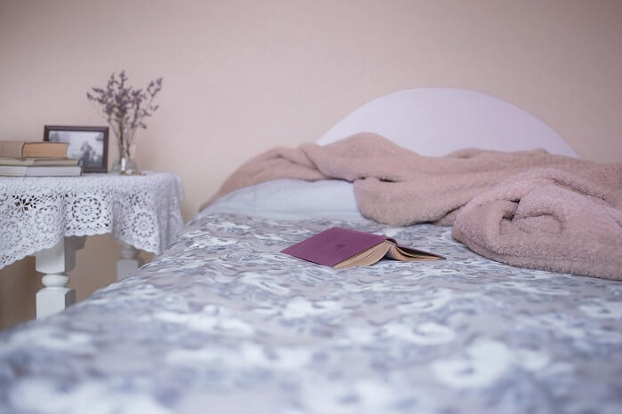 bed-1846251_1280-1498723307.jpg