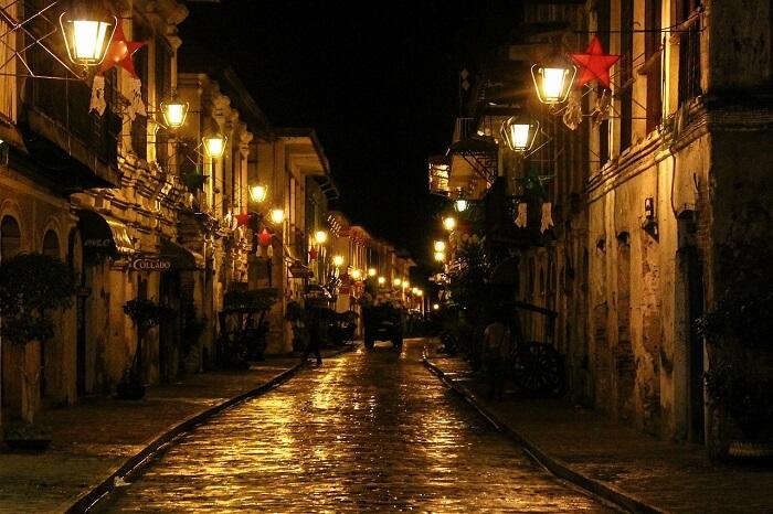 calle-crisologo-593843_1280-1497521516.jpg
