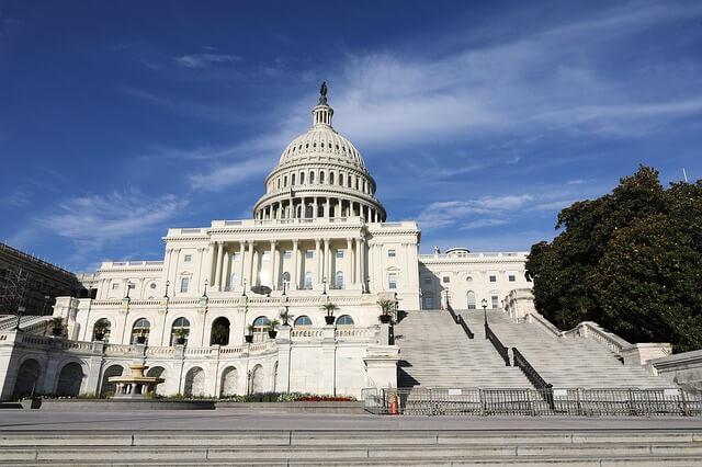 capital-hill-2645396_640-1515998432.jpg