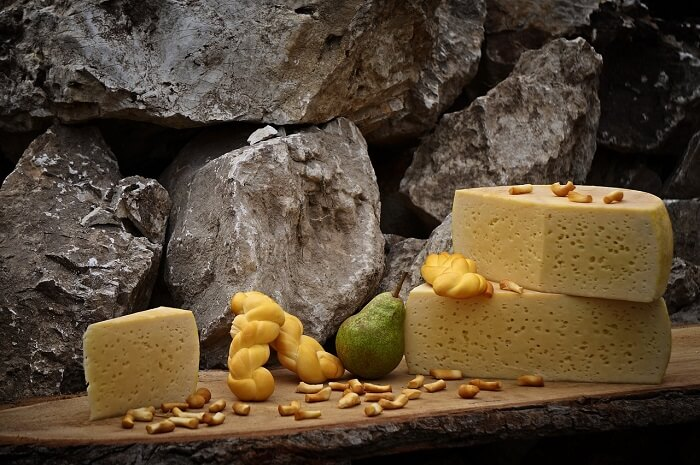 cheese-1702573_1280-1496950392.jpg