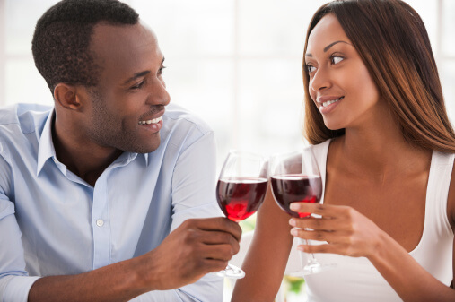 couple-drinking-wine-1517999924.jpg