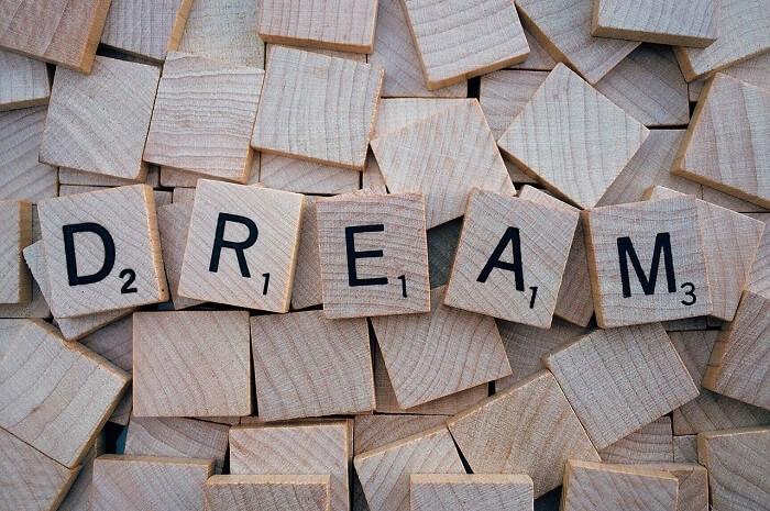 dream-1804598_1280-1494829781.jpg