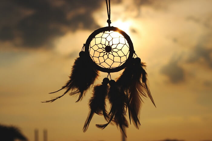 dream-catcher-902508_1280-1498723125.jpg