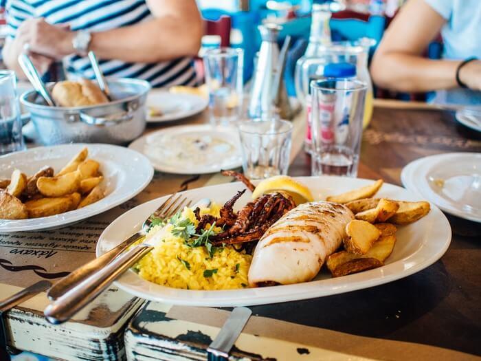 food-plate-restaurant-eating-1493834709.jpg