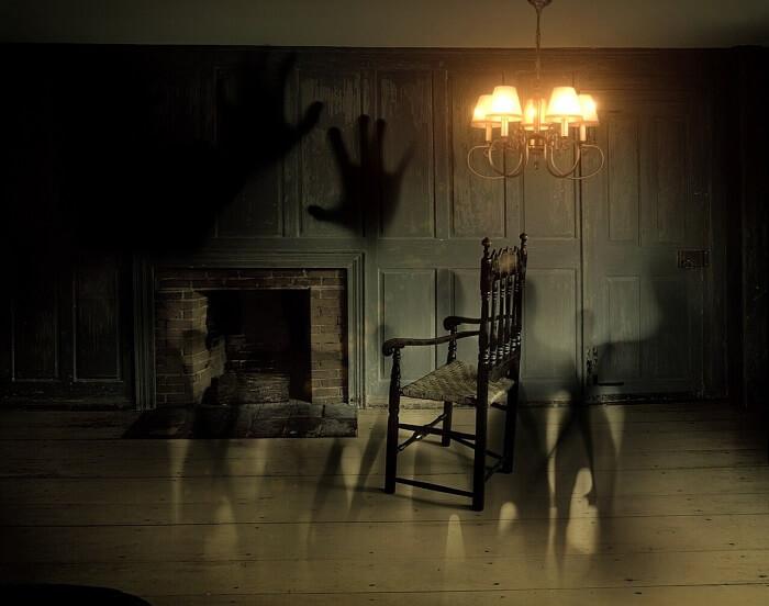 ghosts-572038_1280-1496054533.jpg