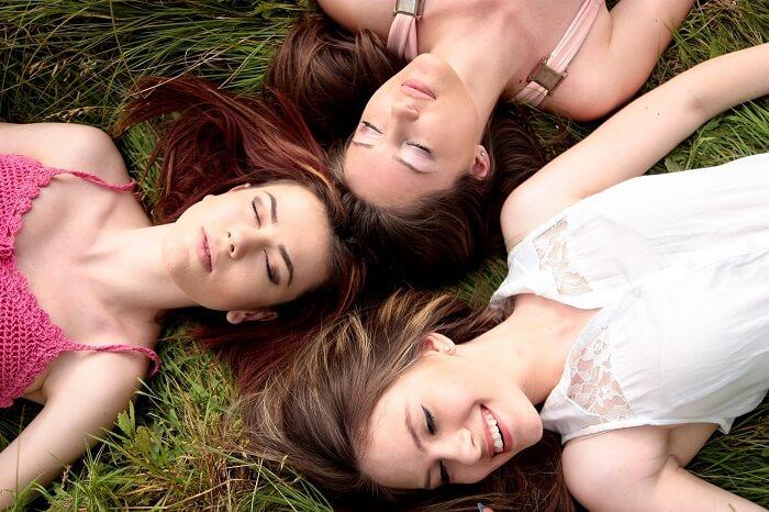 girls-1487825_1280-1497106075.jpg