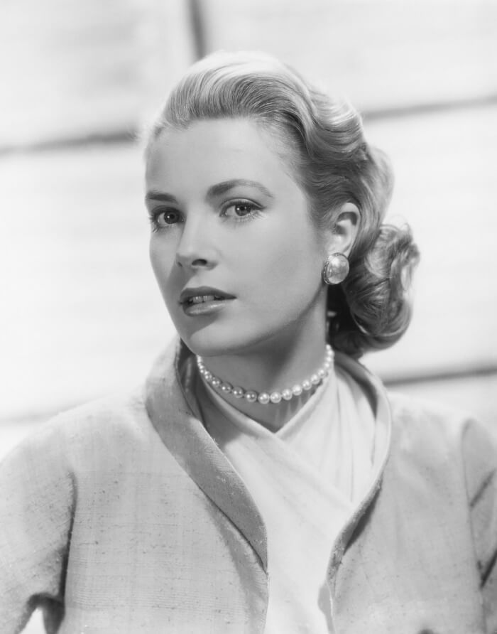 grace-kelly-90774_1280-1508647750.jpg
