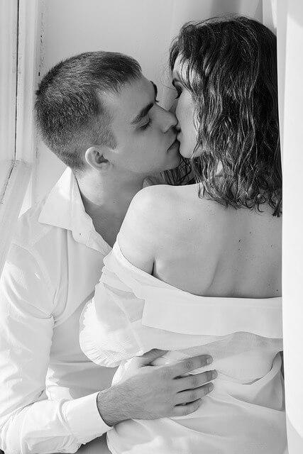 kiss-1858088_640-1523697037.jpg
