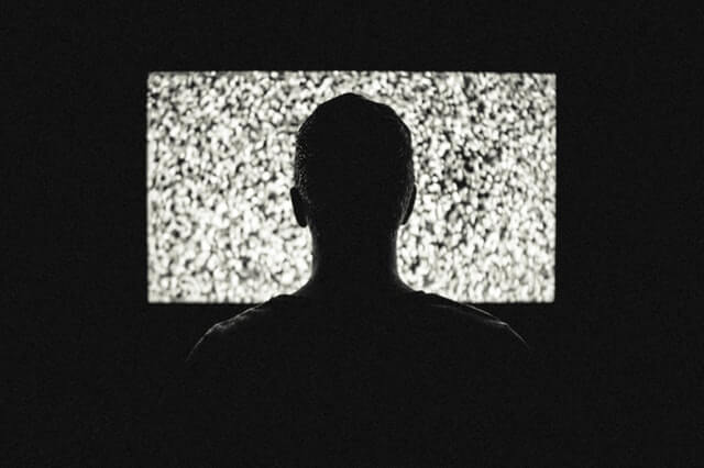 night-television-tv-theme-machines-1520074950.jpg