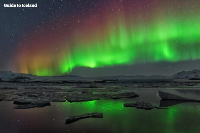 northern-lights-in-iceland-10-1528711667.jpg