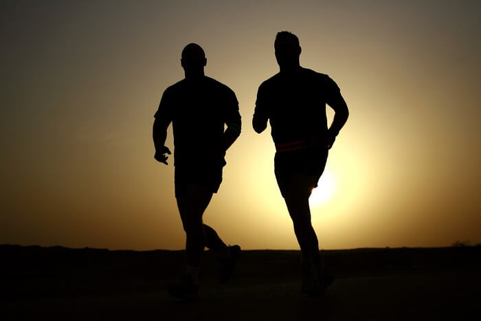runners-silhouettes-athletes-fitness-39308-1494333682.jpeg