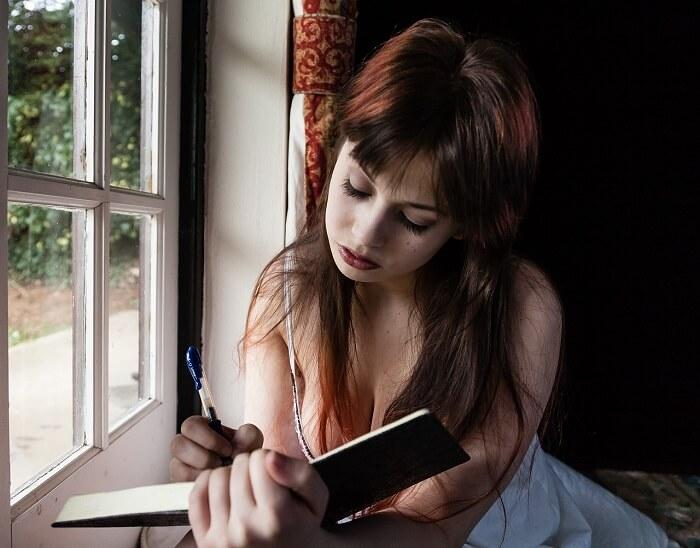 sad-woman-1055092_1280-1499790770.jpg