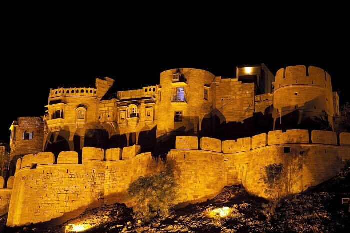shutterstock_50031778-Jaisalmer-Fort-at-night-1529656988.jpg