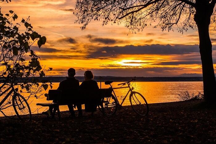 sunset-538286_1280-1512299208.jpg