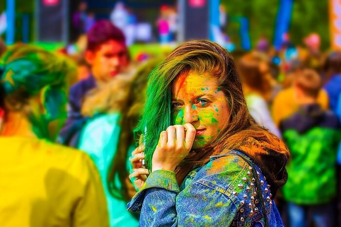 the-festival-of-colors-2374421_1280-1499080309.jpg