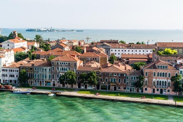 venice-cruise-mediterranean-architecture-163802-1494307984.jpeg