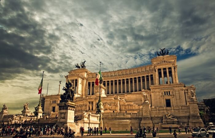 vittorio-emanuele-monument-rome-rome-palace-altare-della-patria-56886-1494308261.jpeg