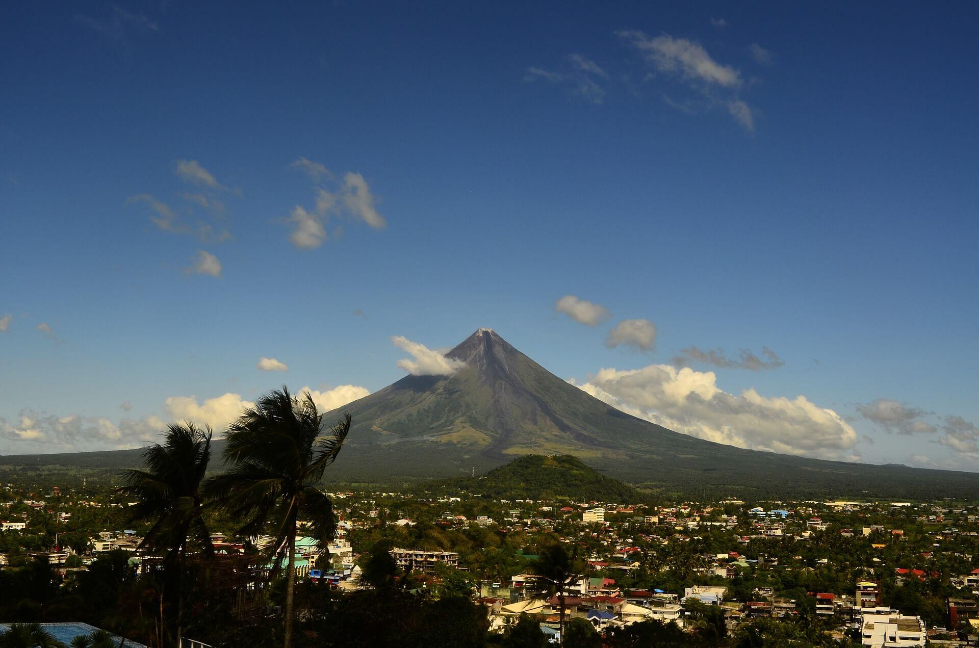 volcano-659640_1920-1495448197.jpg