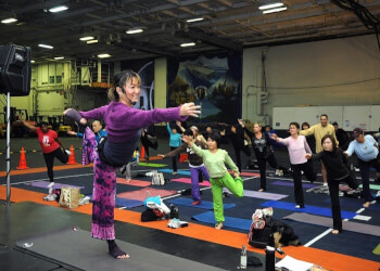 Which is a Better Option for you – Gym or Yoga?